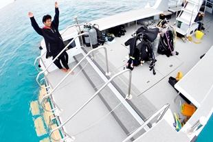 ダイビングボートエントリーラダー